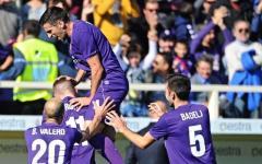 Fiorentina ancora capolista: battuto il Frosinone (4-1). Gol di Rebic, Gonzalo, Babacar (rigore) e Suarez. Pagelle