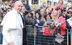 Papa Francesco è arrivato a Firenze, l'abbraccio della città e di tutta la Toscana