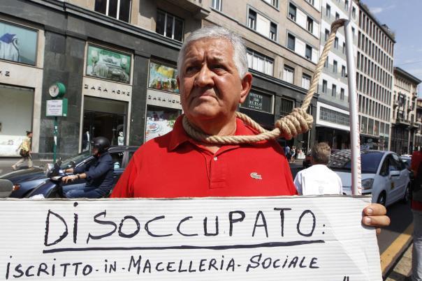 protesta di un disoccupato