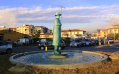 Firenze: l'Omino di Folon protagonista del Natale (è tornato al suo posto dopo l'incidente)