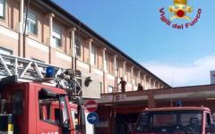 Pisa, fiamme all'ospedale di Cisanello: scatta il piano di emergenza