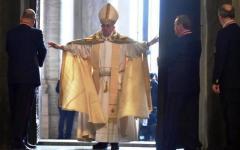 Giubileo: aperta la Porta Santa. Papa Francesco: «La misericordia è più importante del giudizio»