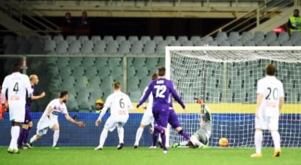 Fiorentina-Carpi 2-1, la magia di Zarate (foto Twitter @Sport_Mediaset)