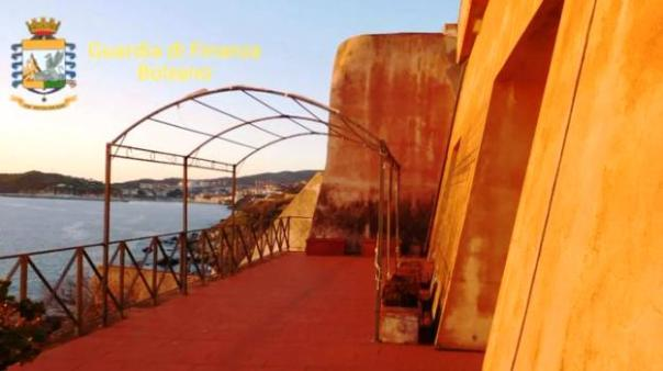 Piombino, un'immagine di Villa Vittoria, sequestrata dalla Finanza