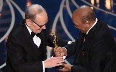 Los Angeles: Oscar a Ennio Morricone per la colonna sonora di «The Hateful Eight». A Tom Mc Carty con «Il caso Spotlight» la statuetta per i...