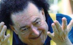 Montespertoli: funerali di Giorgio Ariani fra la polemica del parroco (non voleva una canzone) e le lacrime di Leonardo Pieraccioni e Gianfr...