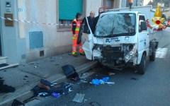 Firenze: ragazza ferita gravemente nello scontro fra scooter e camion