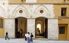 Siena, università: buco di bilancio da 200 milioni di euro, tutti assolti dal reato di falso