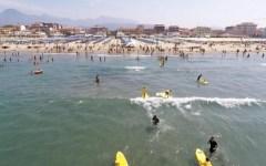 Viareggio, Fossa dell'Abate: revocato il divieto di balneazione