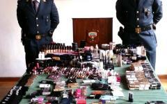 Siena, cosmetici e borse: la guardia di finanza sequestra oltre 12 mila articoli falsi e fuori dagli standard di sicurezza