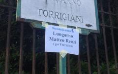 Firenze, protesta flashmob: Lungarno Torrigiani diventa Lungarno Renzi