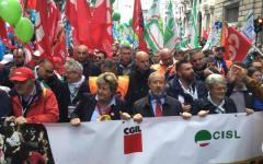 Primo maggio 2016: Mattarella, un Paese che esclude i giovani si condanna da solo. Dai sindacati a Genova stoccate a Governo e confindustria