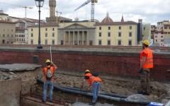Firenze, voragine: proseguono i lavori di Publiacqua sul Lungarno Torrigiani