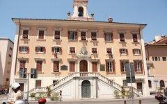 Livorno: messe all'asta su eBay nove motociclette e arredi del Comune