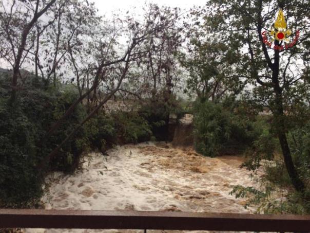 Maltempo: Grossetano, 8 persone salvate dai vigili del fuoco