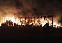 incendio rotoballe di fieno