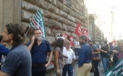 Migranti: presidio dei sindacati davanti alla prefettura per chiedere facilitazioni per il lavoro