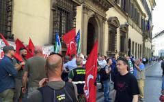 Firenze: operai forestali, presidio di protesta davanti al Consiglio regionale