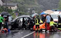 Incidenti stradali: quelli mortali aumentano (+1,1%) dopo 15 anni; anche i feriti gravi (+6%). Crescono (+20%%) le sanzioni per uso del tele...