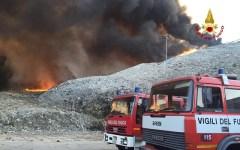 Pistoia: forse doloso l'incendio nella discarica di Casalguidi. Divieto di consumare ortaggi: ordinanza del sindaco