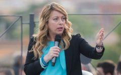 Referendum: Giorgia Meloni, ad Arezzo, lancia la campagna  «No grazie»
