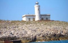 Beni pubblici: all'asta 20 fari, torri, conventi ed edifici storici. Due in Toscana, il Faro Formiche (GR) e Punta Polveraia all'Elba