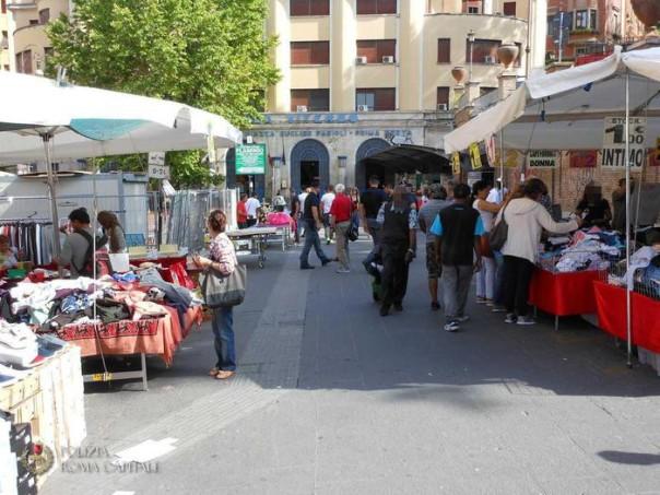 Piazzale Flaminio, nuovi interventi a contrasto delle bancarelle abusive e nuovi sequestri