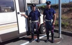 Massa: tre malviventi che depredavano camper bloccati dalla polizia stradale