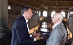 Firenze: Matteo Renzi cicerone in Palazzo Vecchio per il Ceo di Amazon, Jeff Bezos
