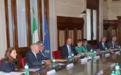 Il ministro Alfano dà la patente agli imam italiani: saranno riconosciuti con decreto ministeriale