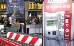 Firenze, stazione di Santa Maria Novella: tornano le transenne contro gli assalti ai viaggiatori