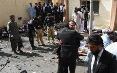 Quetta (Belucistan) - Almeno 93 morti per attacco suicida all'ospedale