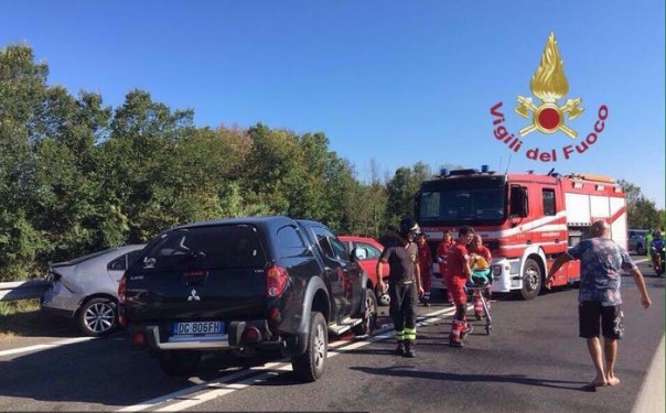 Incidenti stradali: vigili del fuoco