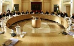 Economia: i vescovi italiani smentiscono il governo, la crisi è ancora grave