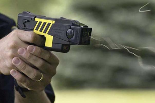 pistola-elettrica-taser