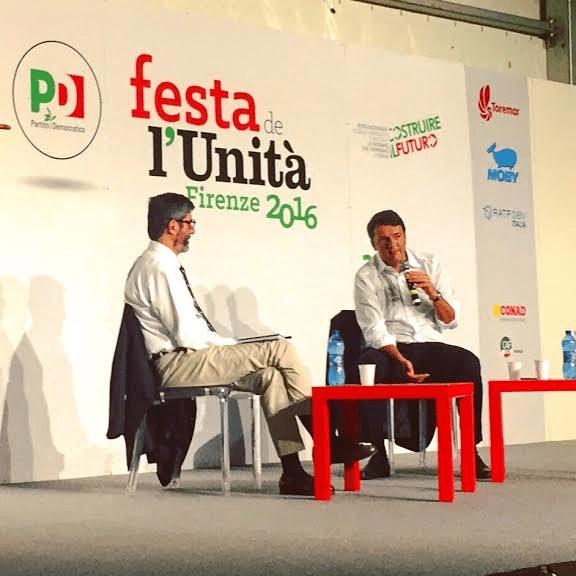 Matteo Renzi intervistato da Gianni Riotta alla festa de l'Unità, a Firenze