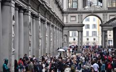 Firenze: regolatori di flussi dei turisti nelle città d'arte, i dubbi del sindaco Nardella