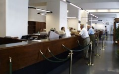 Banche: i clienti italiani sono i più tartassati d'Europa.  Costi in aumento del 20%