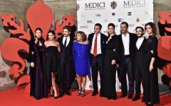 Firenze: fiction sui Medici. Cena di gala nel Salone dei Cinquecento. Con Renzi «cicerone» in Palazzo Vecchio