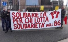 Firenze: presidio degli anarchici davanti al tribunale. Attesa la sentenza per le contestazioni davanti all'università
