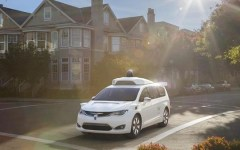 Automobili: Fiat Chrysler Automobiles consegna a Google 100 auto a guida autonoma