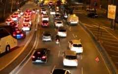 Firenze: chiuse due corsie del viale Lavagnini, traffico in tilt