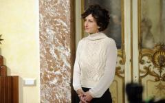 Agnese Renzi: le polemiche futili sul costoso maglione by Scervino