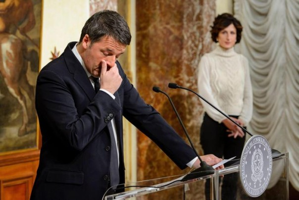 Renzi announces resignation