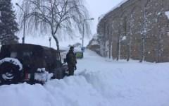 Terremoto e neve: stalle crollate, allevatori disperati in Abruzzo, Marche e Lazio. Interviene l'Esercito