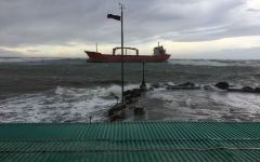 Livorno: iniziate le operazioni per disincagliare la nave liberiana