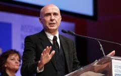 Firenze, ministro dell'interno Minniti: «Sicurezza e libertà vanno insieme». Migranti: «Rimpatriare chi non è in regola»