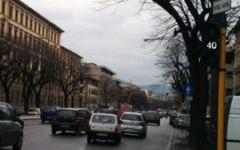 Firenze: traffico a rilento in viale Lavagnini per la chiusura di due corsie direzione Piazza Libertà