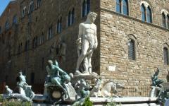 Firenze: restauro del Biancone. Via ai lavori in piazza Signoria