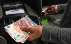 Cenaia(Pi): fanno esplodere un bancomat, ma i carabinieri li mettono in fuga